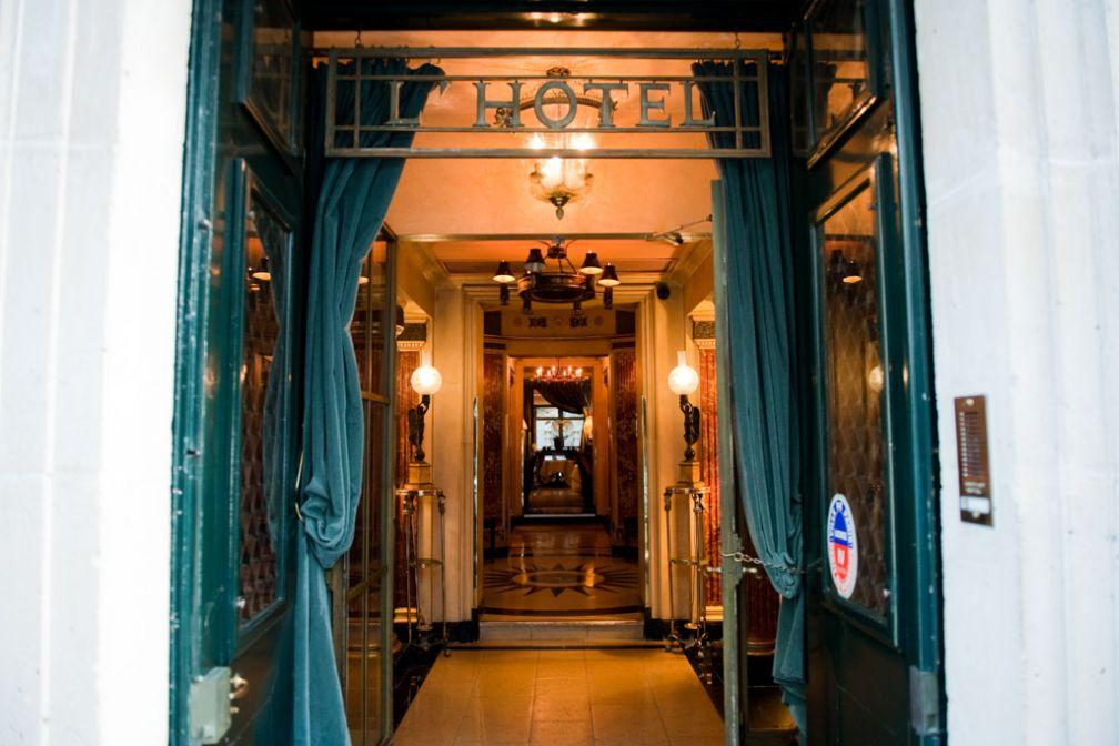 Entrée de L'Hôtel | © Amy Murrell