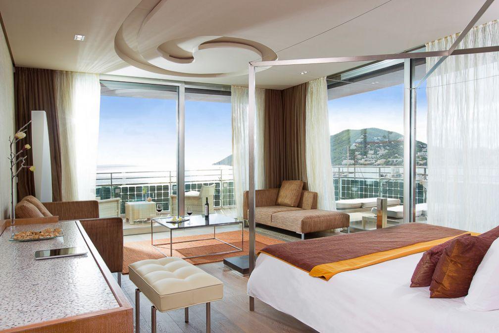 Cloud 9 Corner Suite | © Aguas de Ibiza