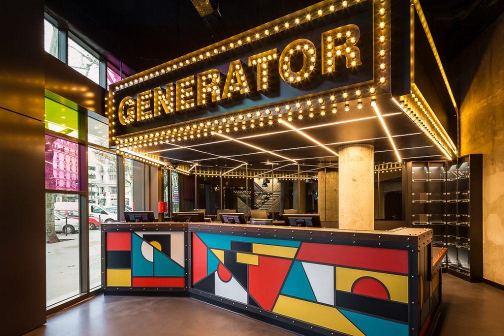 Coloré et contemporain, le lobby de Generator Paris donne le ton