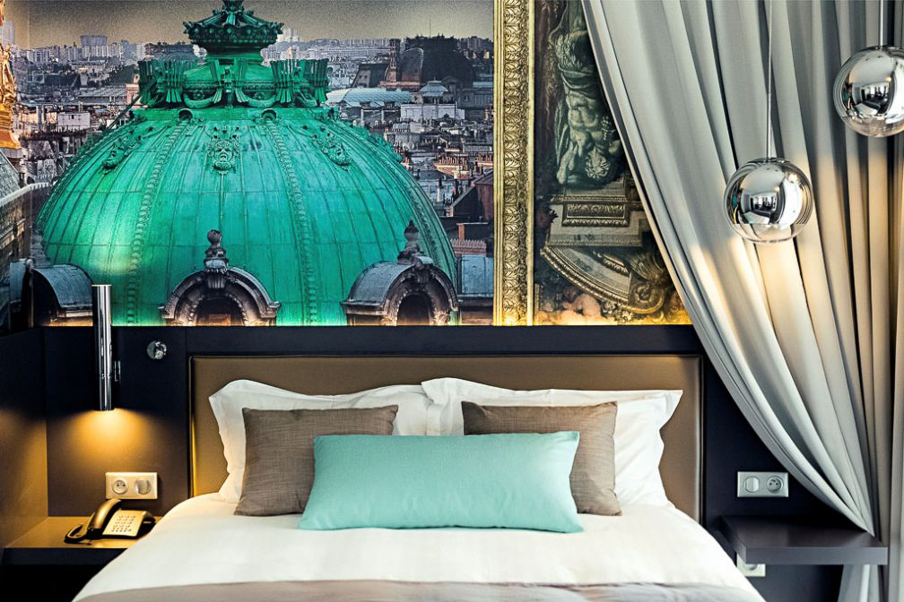 Décor typique d'une chambre de l'Indigo Paris. © Indigo Hotels