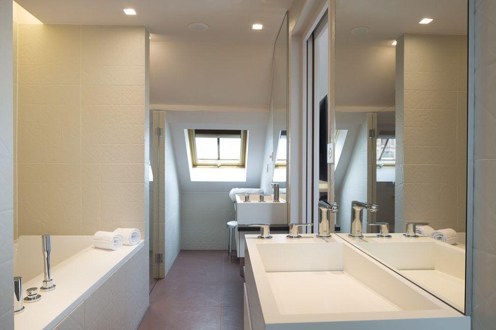 La très belle salle de bain d'une junior suite.  | © Hôtel D