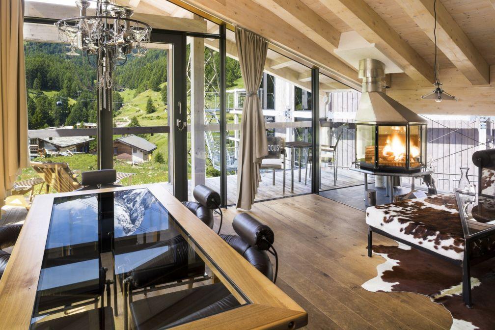 La suite Focus, une des plus belles suites de l'hôtel avec vue sur le Matterhorn. © Matterhorn Focus Hotel