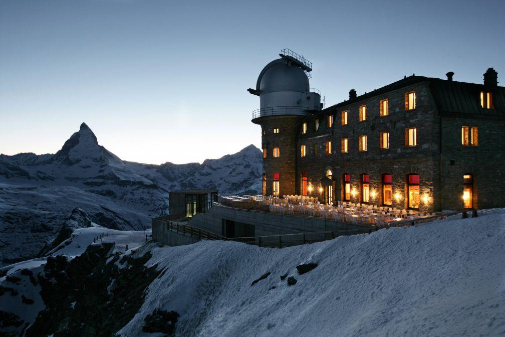 Vue de nuit du Kulm Hotel Gornergrat, à 3100m d'altitude.  © Gornergrat Bahn