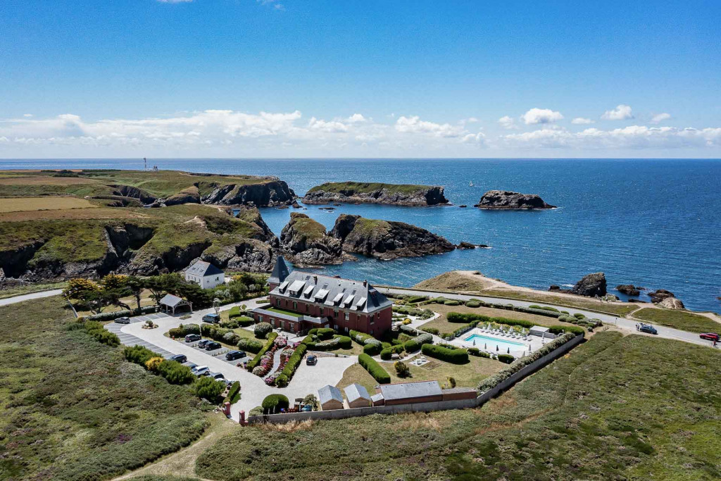 Entre châteaux princiers, gîtes de charme et cottages chics, florilège de nos plus belles adresses en terre celte et des plus beaux hôtels romantiques de Bretagne.