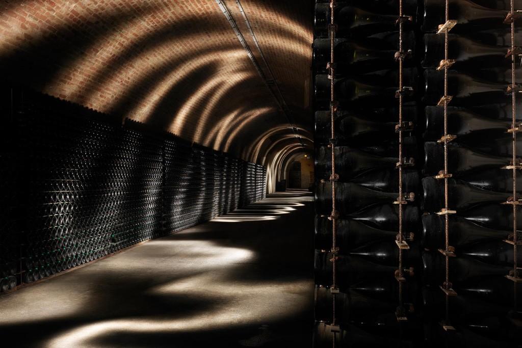 Caves de champagnes, villages idylliques, châteaux fastueux, monuments historiques, paysages de vignobles… un week-end en Champagne réserve bien des émotions. On liste pour vous les 10 expériences à ne rater sous aucun prétexte.