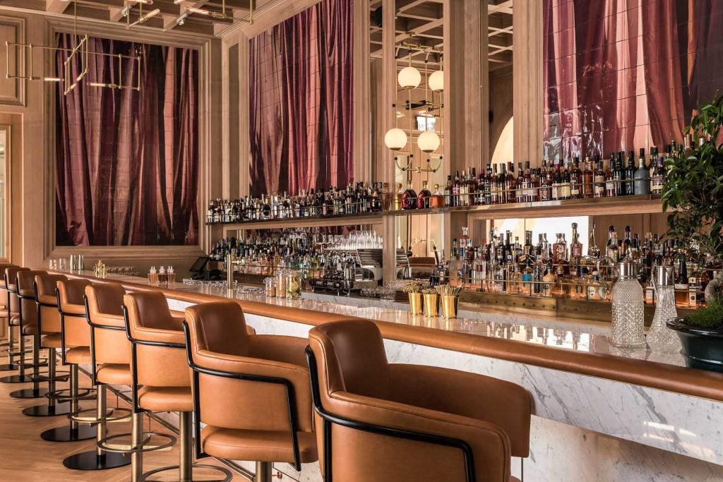Considéré au XIXème siècle comme l'une des plus grandes adresses de l'hôtellerie européenne, l'emblématique Europejski de Varsovie a été restauré avec soin par la prestigieuse enseigne singapourienne  Raffles Hotel & Resorts, lui permettant de retrouver toute sa gloire d'avant-guerre.