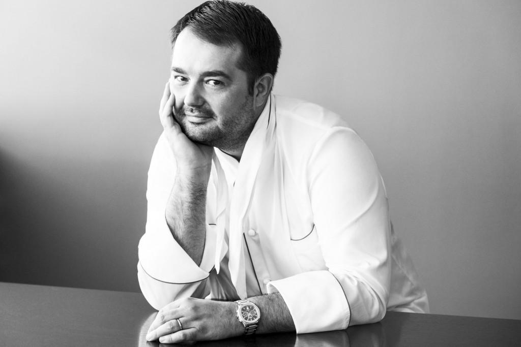 Il est l'un des chefs les plus médiatiques de l'actuelle scène gastronomique parisienne. Nous avons rencontré Jean-François Piège dans les bureaux adjacents à son Grand Restaurant. Un entretien passionnant pour en savoir plus sur la vision d'un cuisinier d'exception.