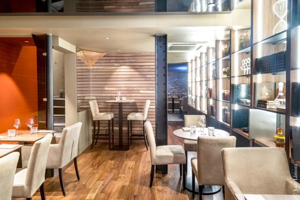 Deux anciens de l'excellent restaurant étoilé Porte 12 sont aux commandes de cette nouvelle adresse gastronomique décontractée à deux pas des Halles rénovées, du futur « musée Pinault » à la Bourse du Commerce, du Louvre et de Beaubourg.