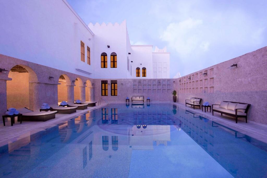 En escale, en déplacement professionnel ou en vacances, nous avons sélectionné pour vous les 10 meilleurs hôtels de Doha pour vous permettre de passer un séjour de rêve dans la capitale qatarie, quelles que soient vos styles ou vos envies.
