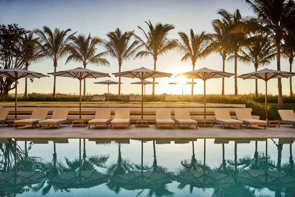 Au nord de Miami Beach, Four Seasons fait revivre une légende de Floride, le mythique Surf Club ouvert au début des années 1930. Visite guidée du nouvel hôtel le plus glamour de Miami.