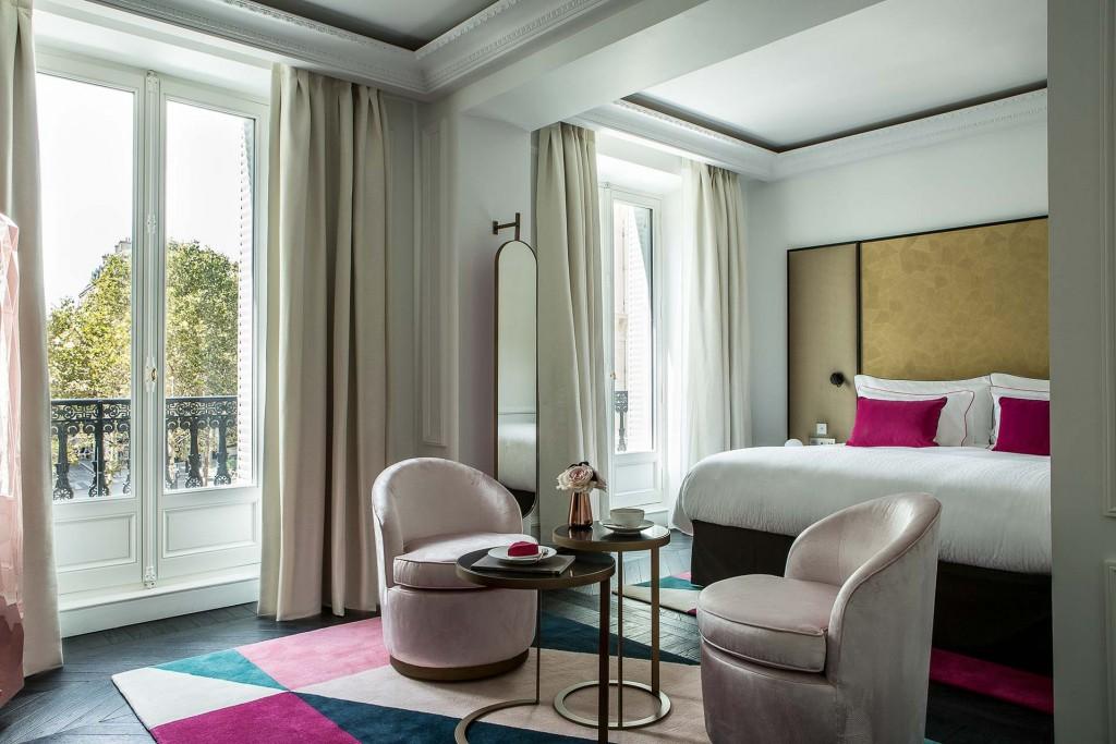 Petit événement dans le 8ème arrondissement où Fauchon a inauguré le 1er septembre dernier son premier hôtel de luxe. Ça se passe, évidemment place de la Madeleine, le berceau historique de l'épicerie fine la plus connue de France. Nous l'avons visité pour vous.