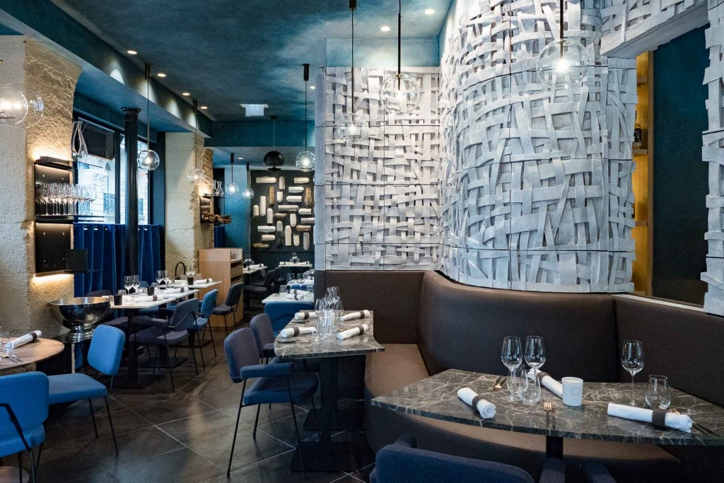 Au cœur du quartier de Chaillot et à deux pas du Triangle d'Or, le tout nouveau restaurant Substance ambitionne de proposer une « gastronomie décomplexée » à ses convives. Nous avons testé pour vous cette table chic et décontracté, ayant tous les atours du succès.