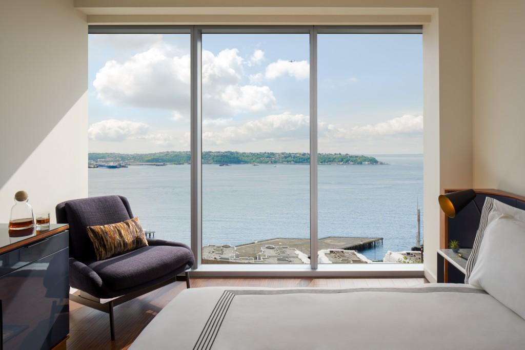 En plein cœur de Seattle dans l'Etat de Washington, le Thompson Seattle Hotel offre aux voyageurs les plus exigeants un point de chute idéal. Vues spectaculaires, design, rooftop et resto locavore au programme. Visite guidée.