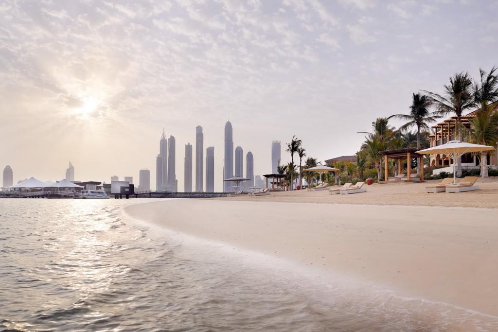 Après avoir révolutionné le monde de l'hôtellerie de luxe à Dubaï avec le Royal Mirage, One&Only est à la tête d'une seconde adresse sur Palm Jumeirah, sans aucun doute l'un des plus beaux hôtels du monde. Visite en images.
