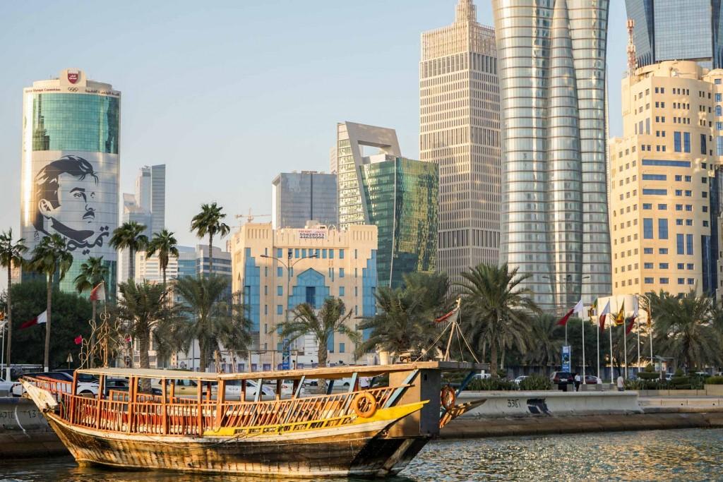 Le Qatar. Tout le monde en parle mais qui le connaît vraiment ? Prenez une longueur d'avance et découvrez la destination le temps d'une escale. On partage avec vous les meilleures adresses du petit – mais turbulent – émirat gazier et de sa capitale Doha.