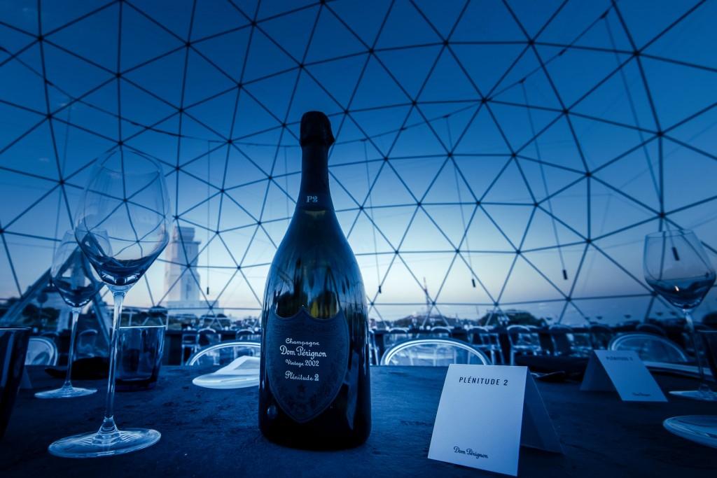Alors qu'est dévoilé le très attendu Dom Pérignon Vintage 2002 Plénitude 2 (P2), retour sur le nouveau chapitre qui s'ouvre pour cette maison de Champagne parmi les plus réputées au monde, désormais pilotée par le jeune chef de cave Vincent Chaperon. Découverte à Tenerife.