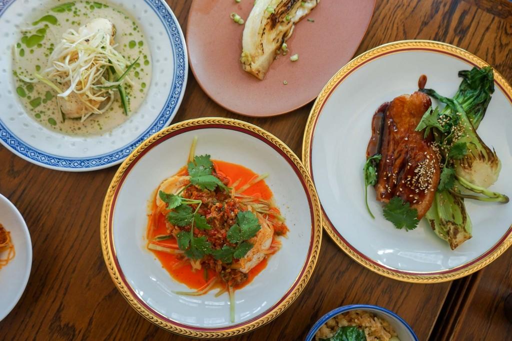 Un bistrot parisien doublé d'une carte hommage aux cuisines d'Asie, c'est le pitch de Brigade du Tigre. La nouvelle adresse d'Adrien Ferrand (Eels) et Galien Emery est l'un de nos coups de cœur de la rentrée gastronomique.