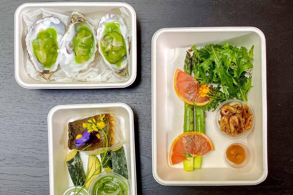 On teste pour vous les services de livraison ou de vente à emporter (click & collect) des meilleurs chefs parisiens, des restaurants étoilés aux bistrots qui comptent.