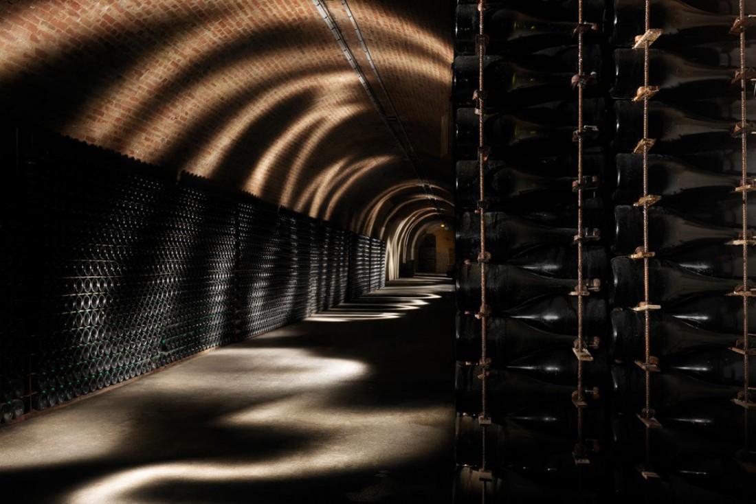 Les caves de champagne, inscrites au Patrimoine mondial de l'UNESCO sont incontournables, comme ici dans les galeries de la Maison Ruinart © Maison Ruinart