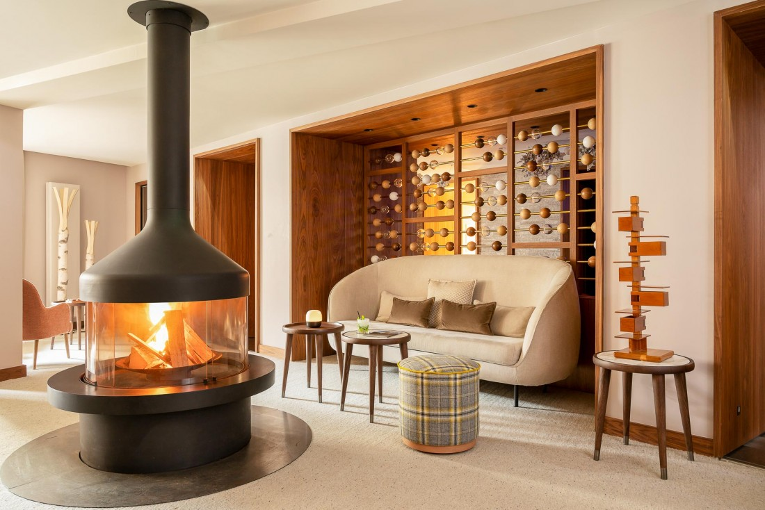 Les lignes claires et modernes de l'architecte d'intérieur Sybille de Margerie dans le lobby © DR
