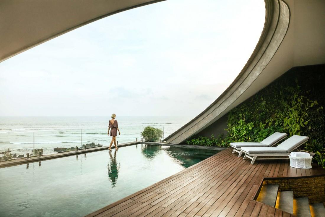 Chacun des douze penthouses possède sa propore piscine, et sa vue panoramique sur l'Océan Indien.