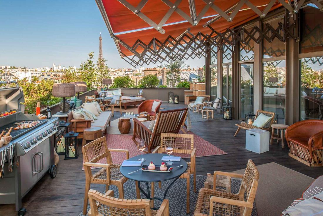 La terrasse avec potager et vue sur la Tour Eiffel du Brach © Guillaume de Laubier
