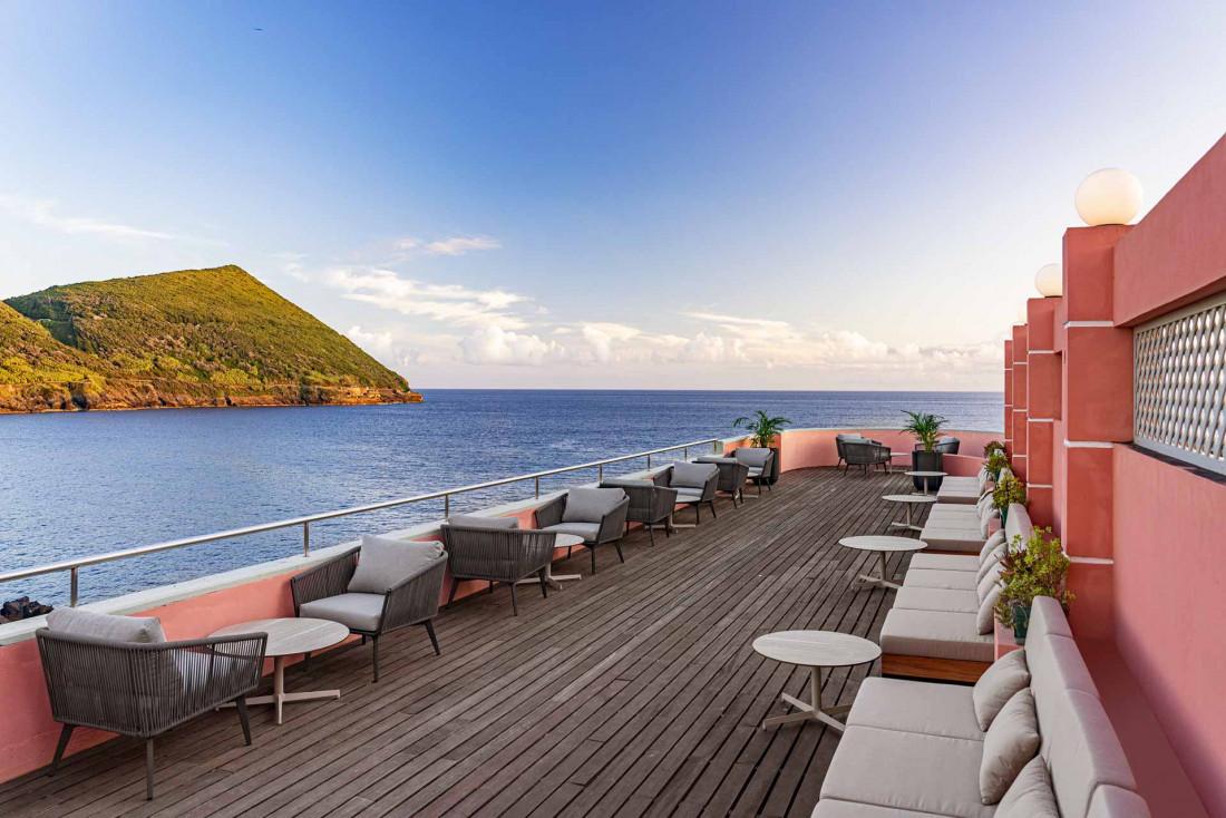 Vue sur l'Atlantique et le Mont Brasil au Terceira Mar, dans la ville UNESCO Angra do Heroísmo © Terceira Mar Hotel