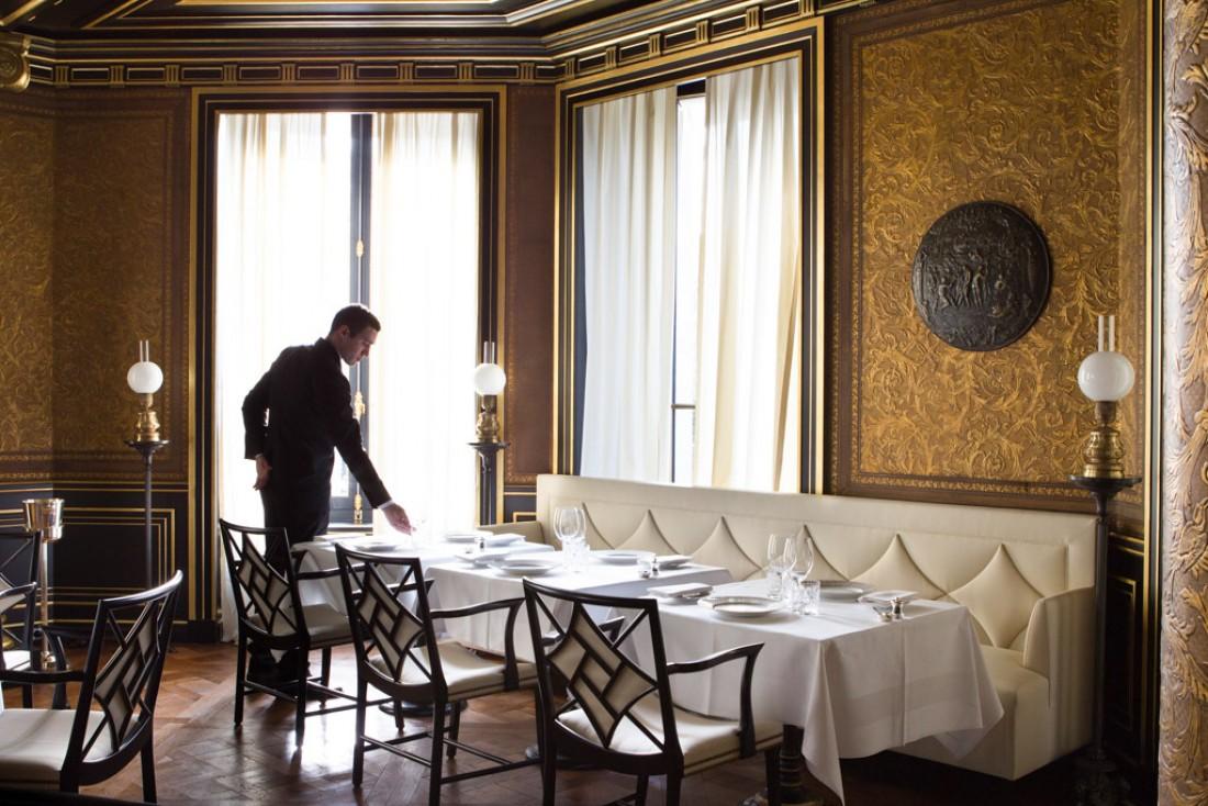 La salle à manger du Gabriel a été imaginée par Jacques Garcia, comme toute l'artchitecture intérieure de La Réserve © La Réserve Paris