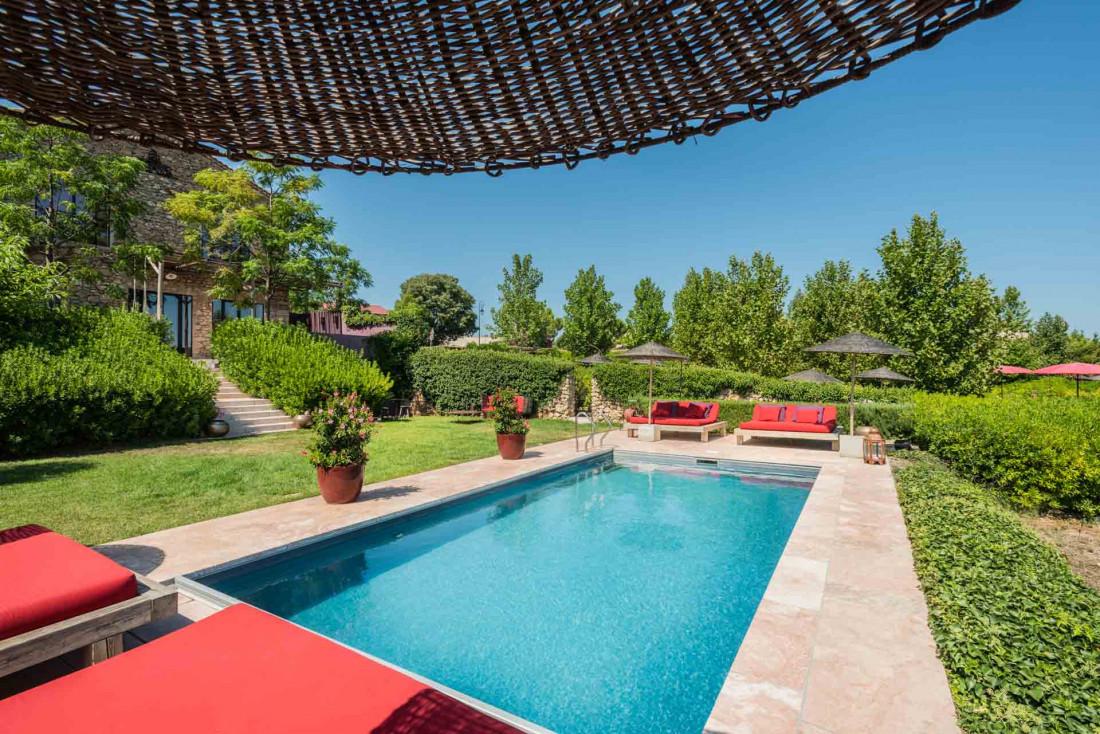 La Maison des Amis tient lieu d'accueil et possède deux piscines © DR