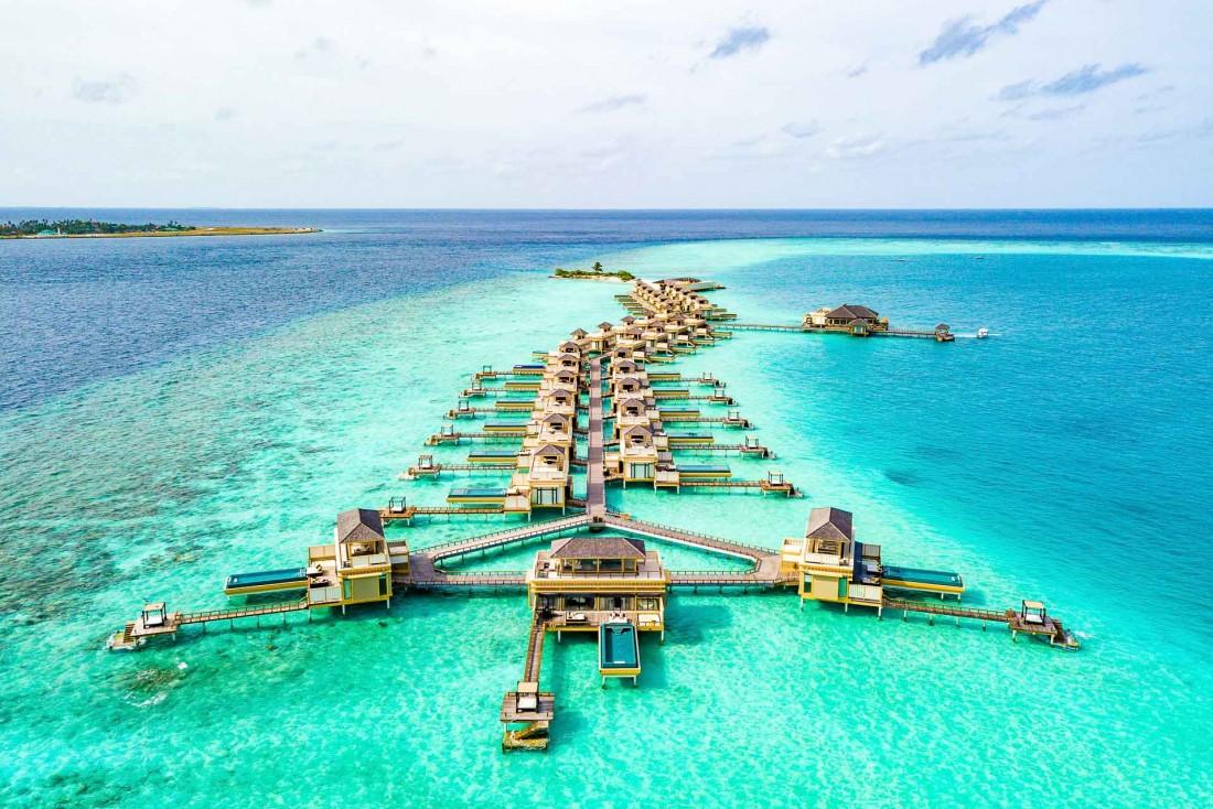 Unique aux Maldives, cet ensemble construit entièrement sur l'eau © DR