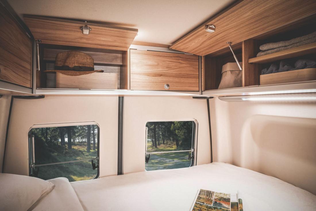 L'intérieur aménagé tout confort des vans © Nomadism