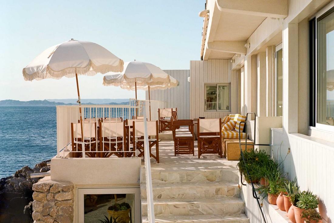 Restaurant, bar et hôtel intimiste (5 chambres) pour cette adresse à l'esprit «cabanon de pêche »© Juliette Abitbol-Edouard Sanville