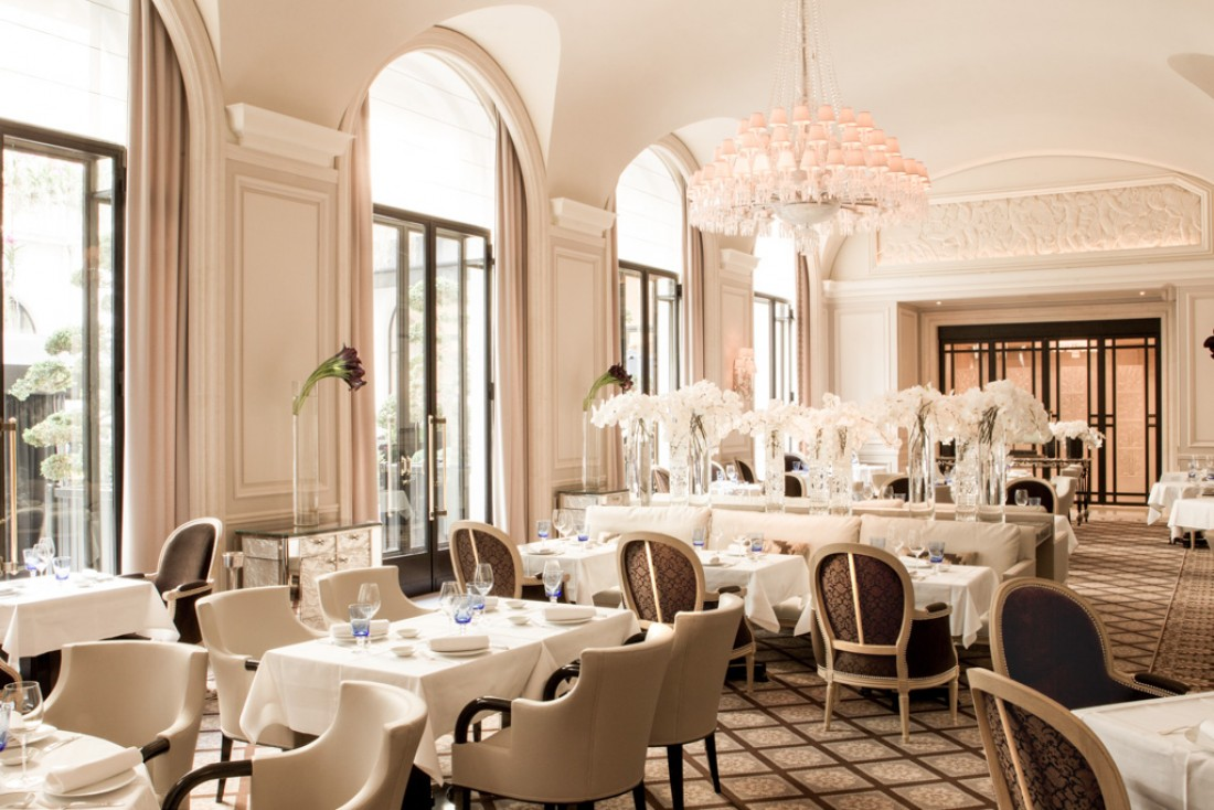 Le George, l'une des plus belles salles de restaurant de Paris, au coeur du Four Seasons George V © Le George / Four Seasons George V