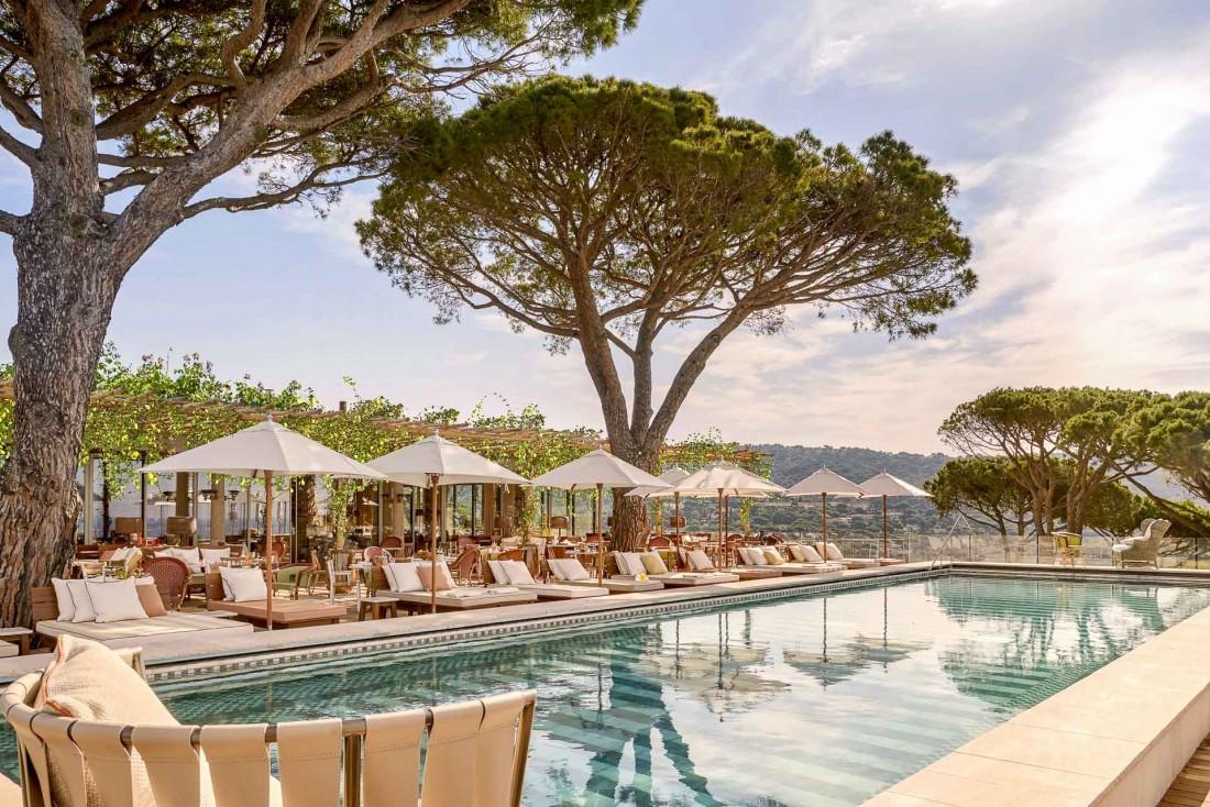 L'une des piscines de Lily of the Valley, dominant la Méditerranée © DR
