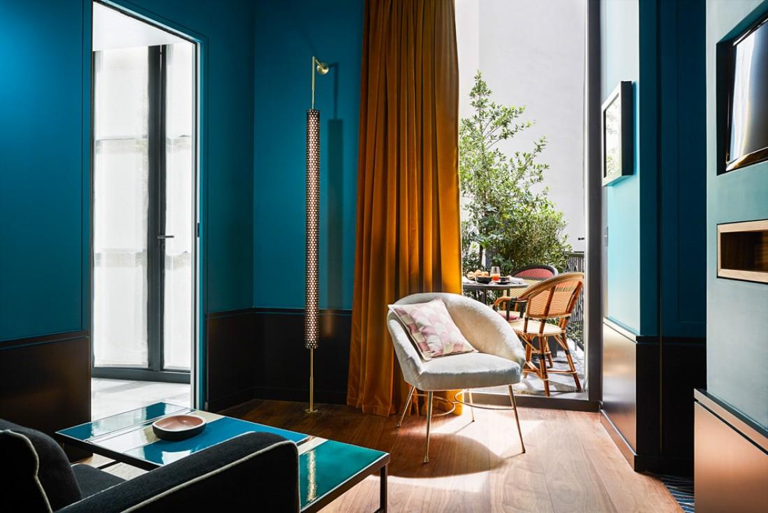 Toutes les chambres et suites, toutes lumineuses, ont été conçues comme de typiques petits appartements parisiens © Roch Hôtel & Spa