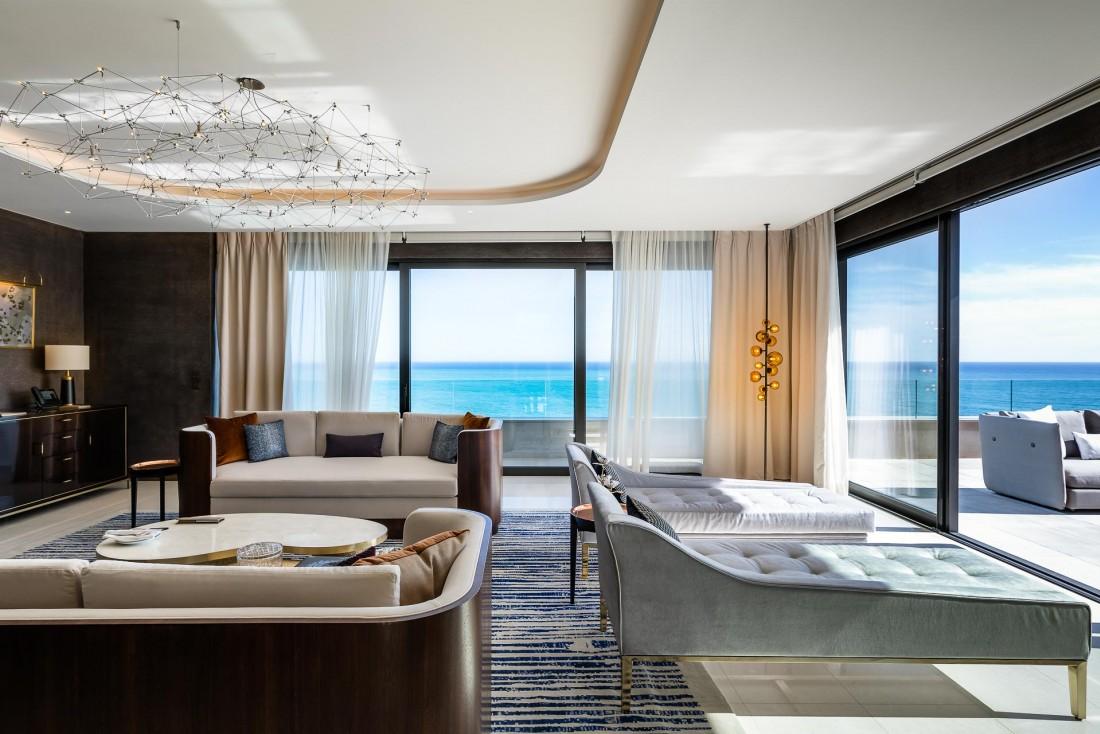 La Suite Princesse Grace, un hébergement hors norme s'étendant sur 2 étages et près de 1,000 mètres carrés au sommet de l'Hôtel de Paris Monte-Carlo © SBM