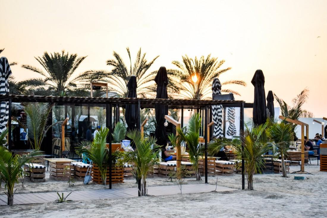 SALT, face à la mer à Kite Beach, est le food truck (burgers) le plus branché de Dubaï © YONDER.fr