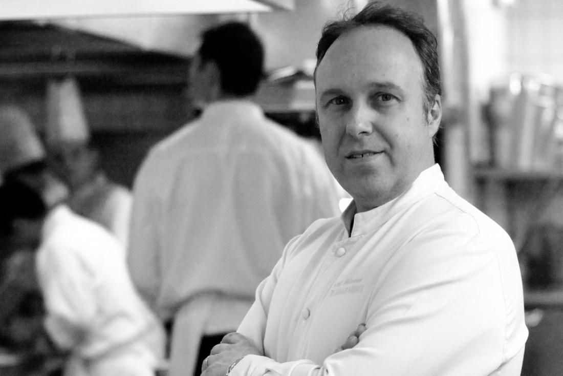 Alain Solivérès, chef du Taillevent depuis 2002, en cuisine.