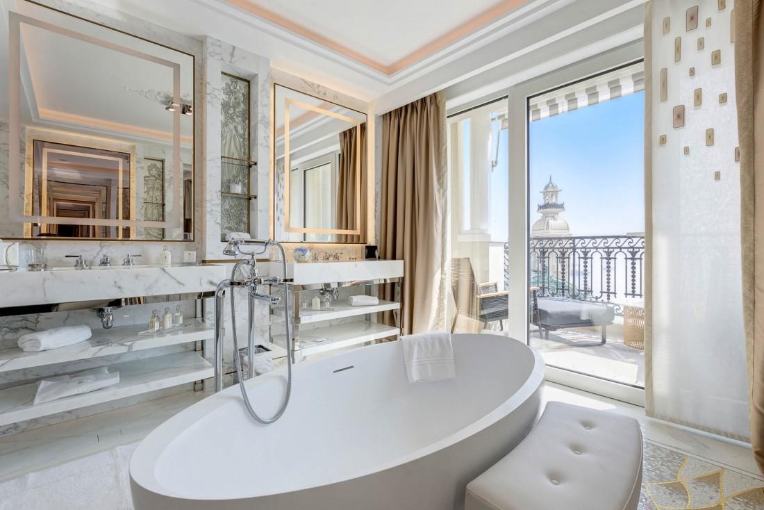 Décor aussi luxueux que spectaculaire dans l'une des Diamond Suites de l'Hôtel de Paris Monte-Carlo © SBM