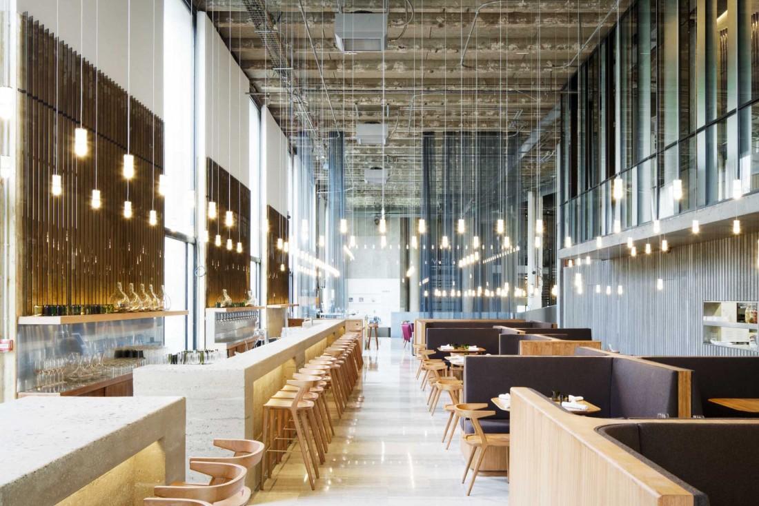 Les Grands Verres est le nouveau restaurant et bar à cocktails du Palais de Tokyo / Architecture © Lina Ghotmeh / photo © Takuji Shimmura