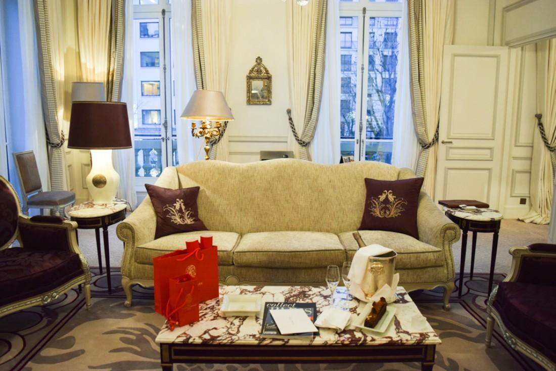 Dans le salon de la Suite 215 © Yonder.fr