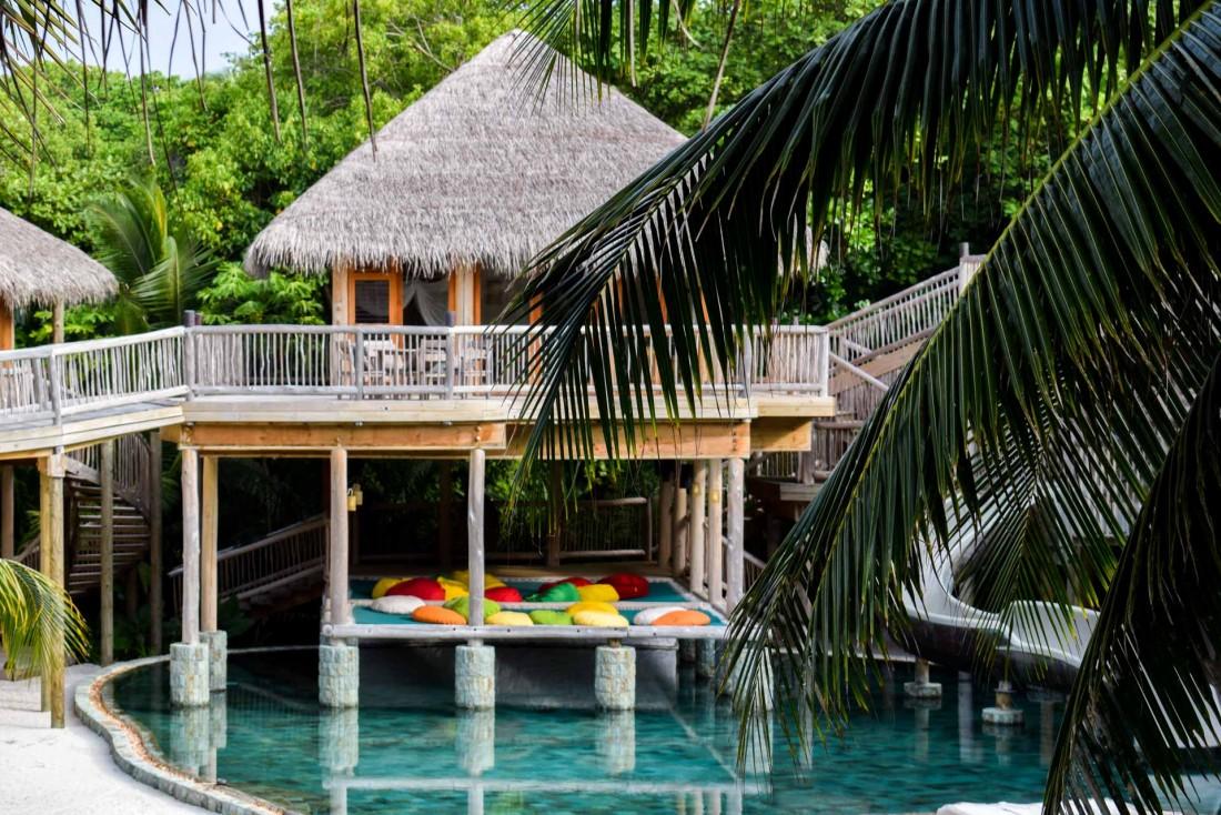 À l'intérieur de la spectaculaire Villa 11, qui avec ses 9 chambres est la plus vaste des Maldives © YONDER.fr