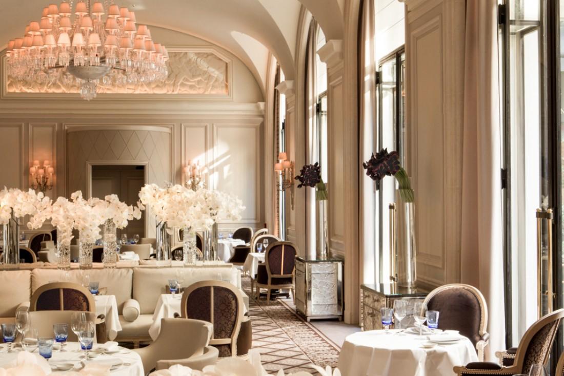 C'est à l'architecte d'intérieur Pierre-Yves Rochon que l'on doit Le George, la nouvelle table méditerranéenne du palace © Le George / Four Seasons George V