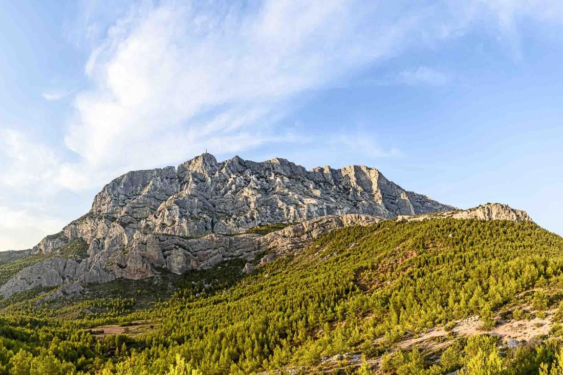 La montagne Sainte-Victoire, à l'est d'Aix-en-Provence © Travelview – stock.adobe.com