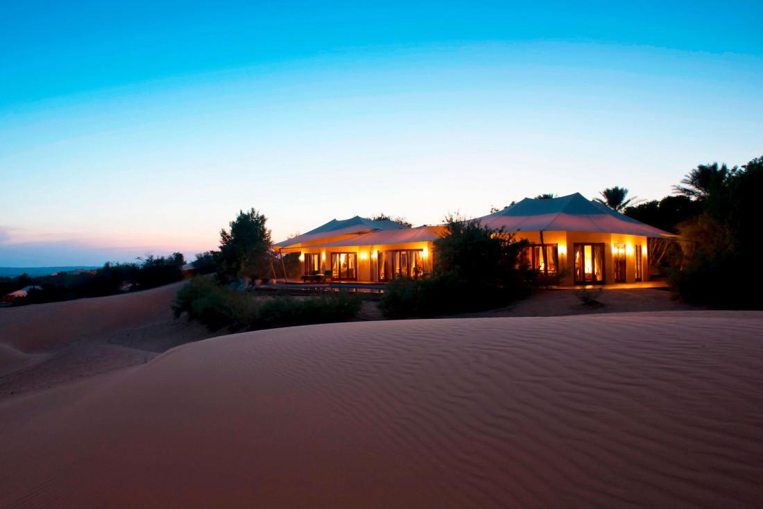 Suite en plein désert au Al Maha Desert Resort à Dubaï © Marriott