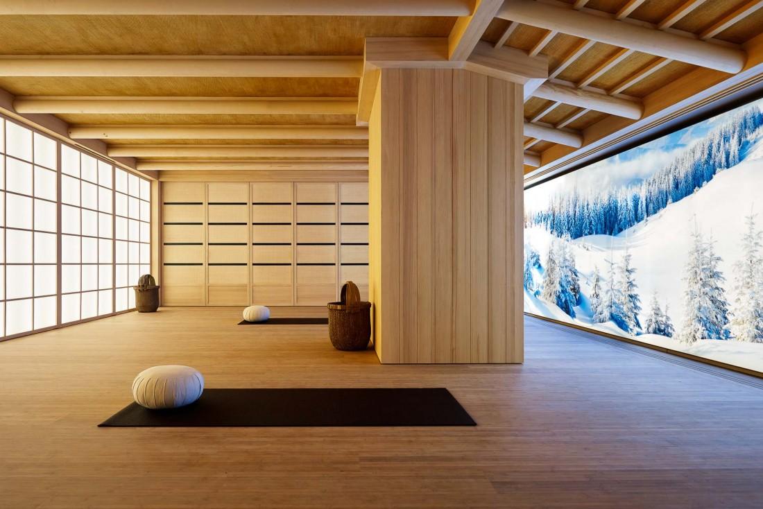 Aman Le Mélézin   Le Studio de Yoga attenant au Spa © Aman