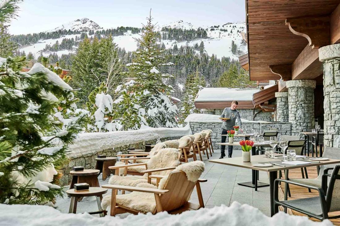 La terrasse du bar de L'Apogée à Courchevel  © DR