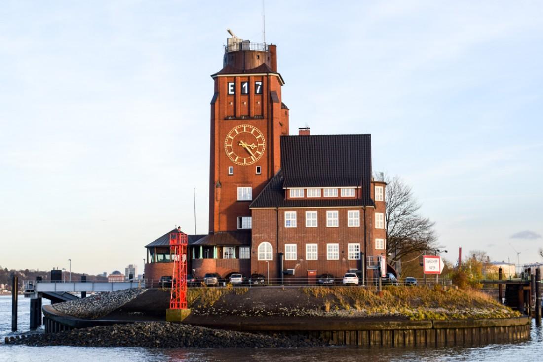 Il faut naviguer sur l'Elbe pour comprendre à quel point Hambourg est une grande cité maritime © YONDER.fr