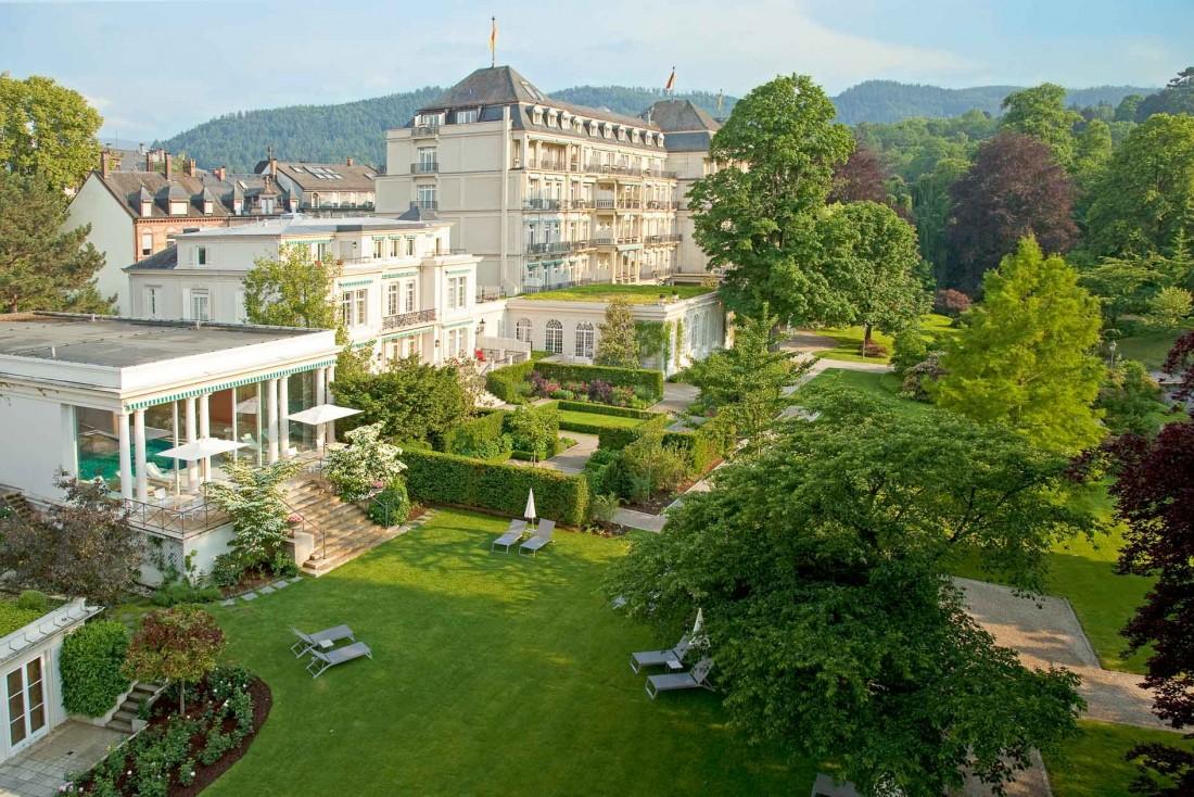 Le Brenners Park Hotel & Spa est posé au milieu d'un parc © DR