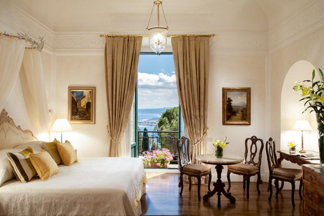 Suite De Luxe Junior dans le bâtiment principal du Grand Hotel Timeo © Belmond